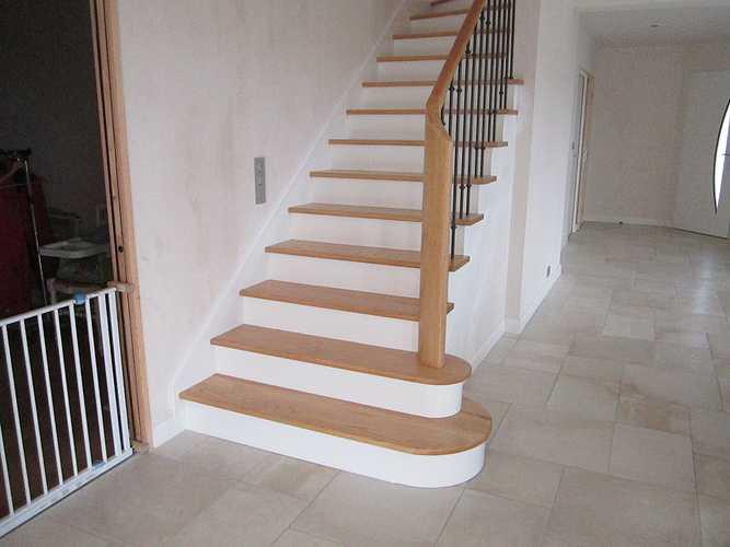 Escalier incolore laqué photossite090