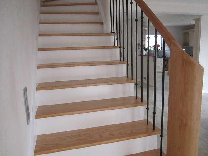 Escalier incolore laqué 0