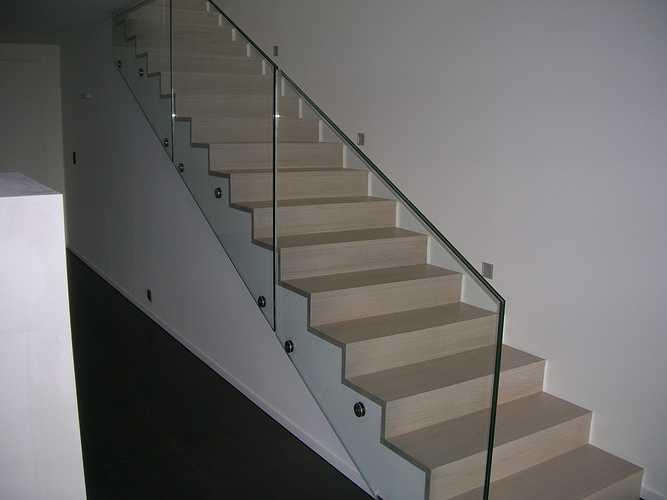 Escalier laqué blanc 0